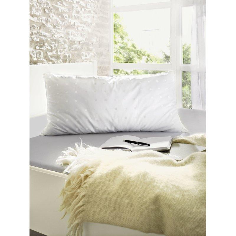 Bettdekcen und Kopfkissen