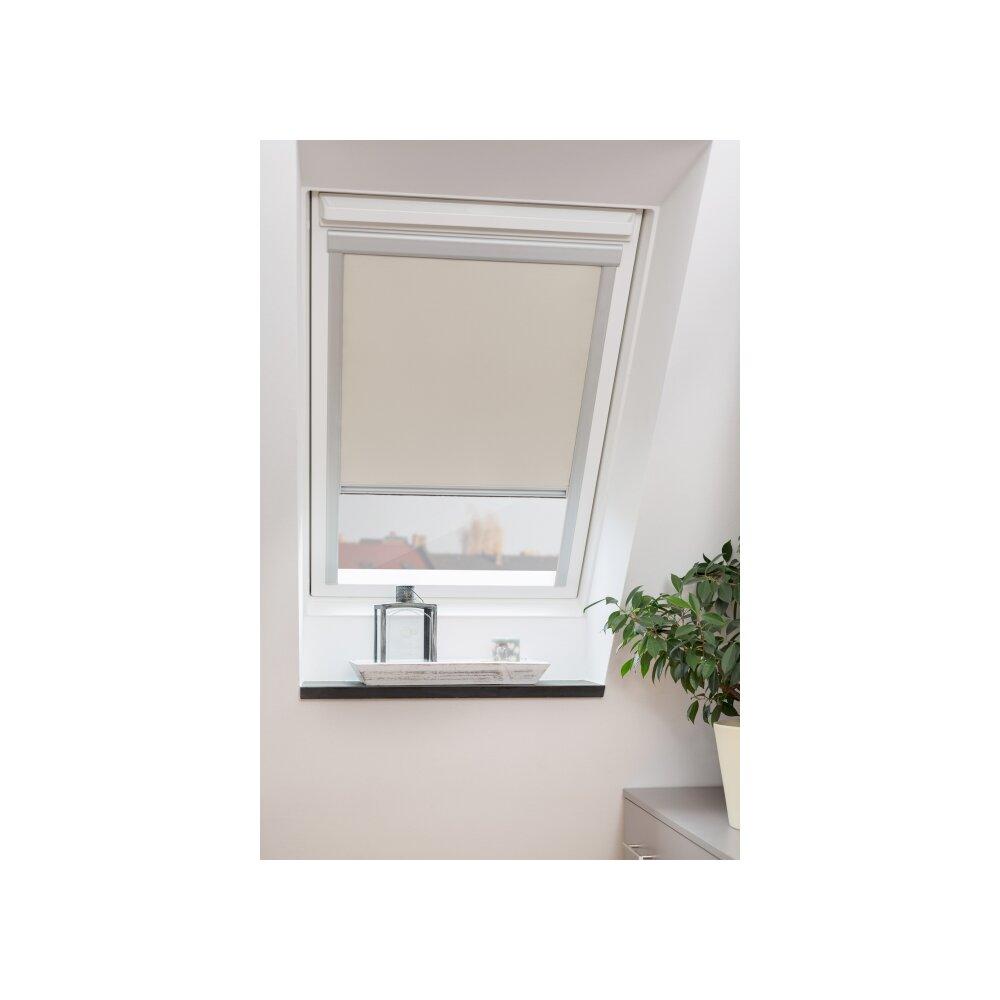 Verdunklung dachfenster dachfenster rollo f wei gardinia for Easyfix behang